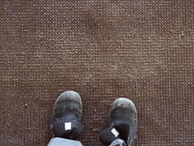 Stop Ice Melt Carpet Damage in its Tracks